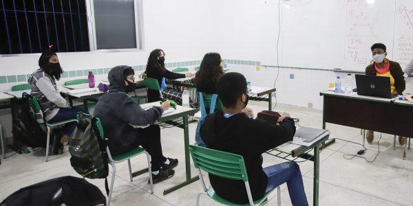 Bolsa do Povo Educação realiza primeiro pagamento a estudantes