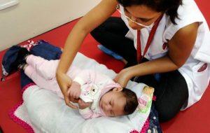 Crianças com microcefalia causada por zika têm alteração no desenvolvimento neurológico